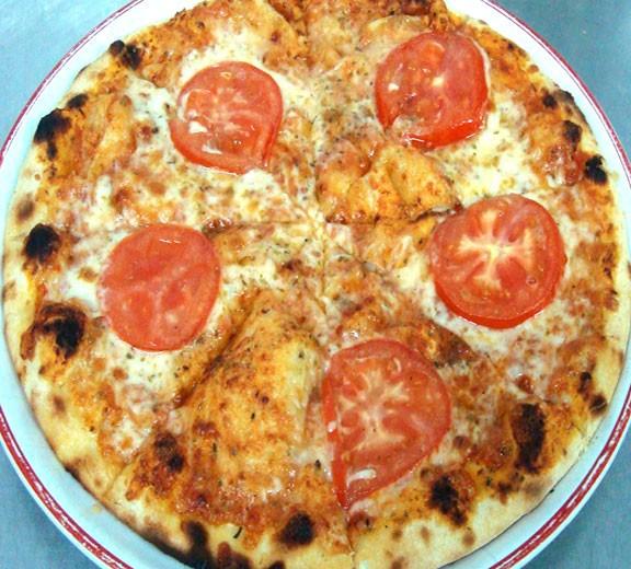 Pizza Margarita la Beraria Nenea Iancu din Centrul Vechi Bucuresti